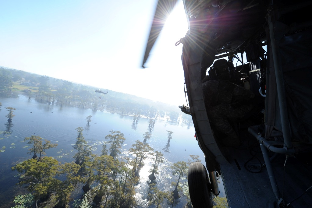 La. Army National Guard continues fighting Caddo wildfires