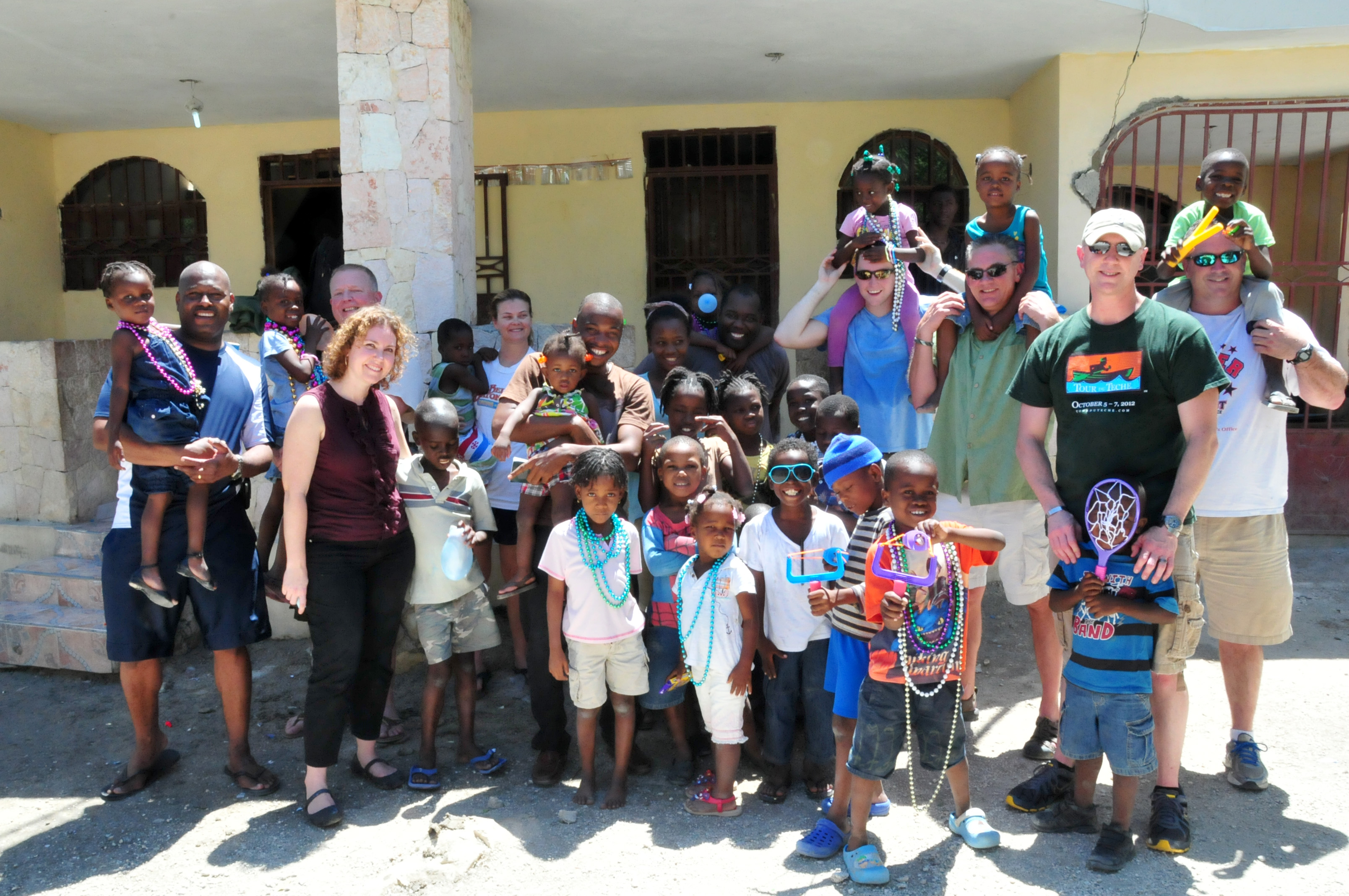 La. National Guardsmen visit Haitian orphanage